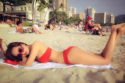 Những lần Mai Phương Thúy khoe dáng nóng bỏng với bikini