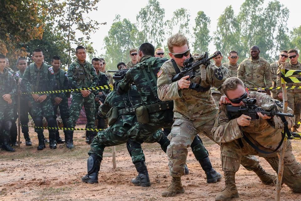 Xem lính Mỹ, Thái, Hàn rầm rộ tập trận 'Hổ mang vàng'