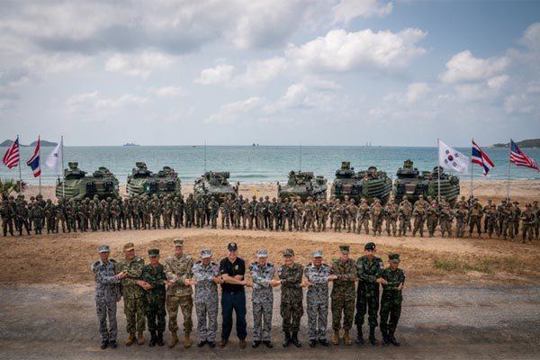 """Xem lính Mỹ, Thái, Hàn rầm rộ tập trận """"Hổ mang vàng"""""""