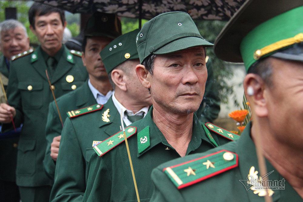 Biên giới 1979: Nhói tim châm 2 điếu thuốc mời đồng đội liệt sĩ ở Pò Hèn
