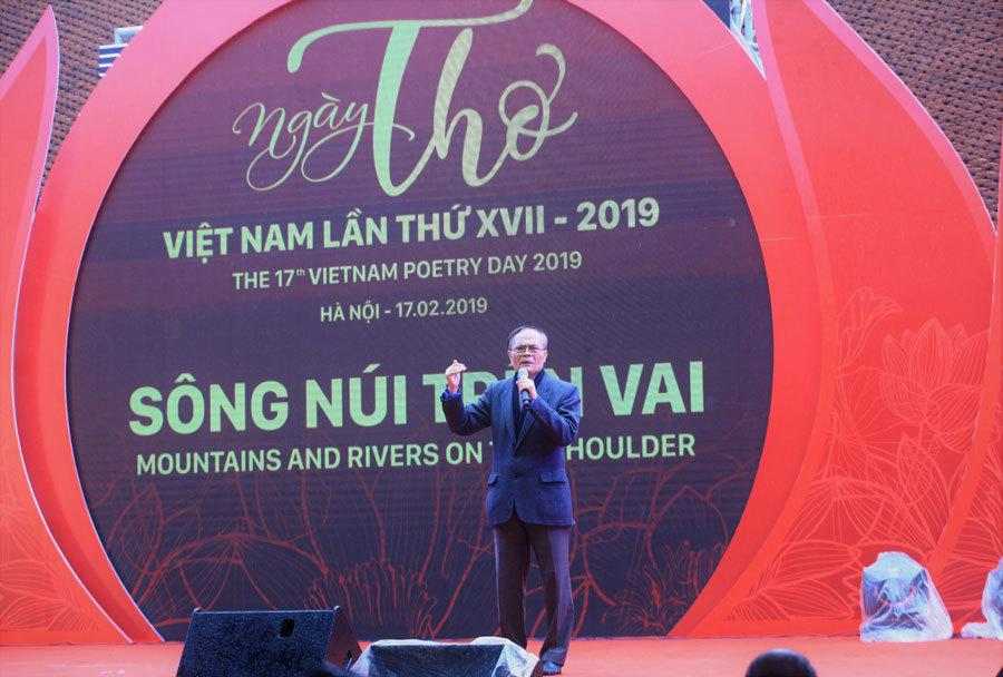 Ngày thơ Việt Nam