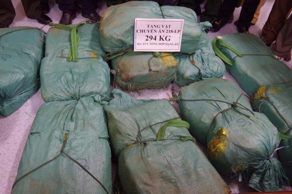 Vụ bắt gần 300kg ma túy đá: Bí mật ông trùm giấu mặt