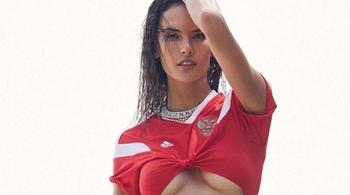 Gần 40 tuổi, đệ nhất mỹ nhân Brazil vẫn tự tin mặc bikini do đâu?