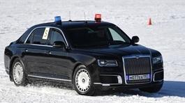 Xem 'siêu xe' của Putin chạy đua trên tuyết