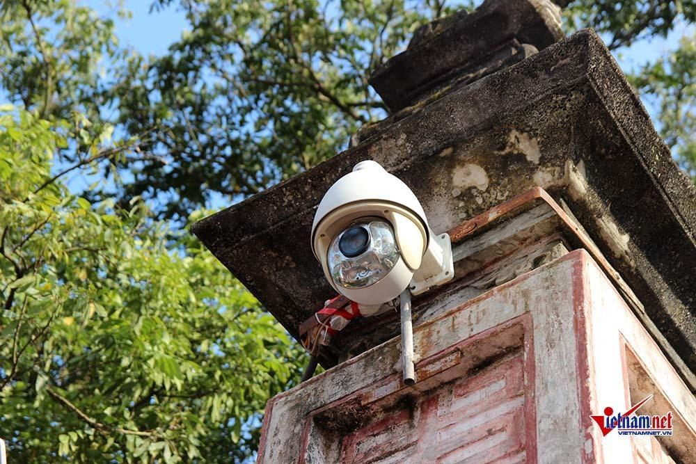 'Mắt thần' giám sát lễ khai ấn đền Trần 2019