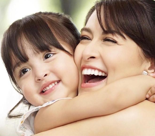 Con gái 4 tuổi của 'mỹ nhân đẹp nhất Philippines' gây sốt vì xinh đẹp
