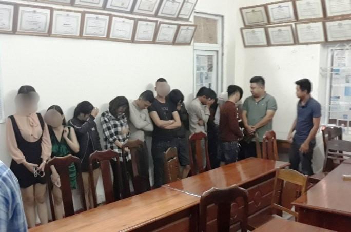 38 nam thanh, nữ tú mở 'tiệc ma túy' trong quán karaoke