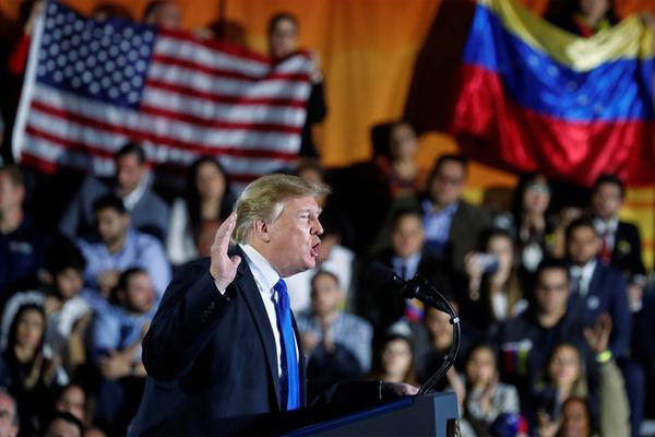 Ông Trump thẳng thừng cảnh báo quân đội Venezuela