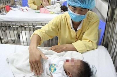 Cha mẹ lưu ý, nhiều trẻ mắc cúm bị viêm não nguy kịch