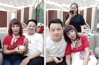Cô dâu 62 tuổi chia sẻ 'bí quyết trẻ lâu', tiết lộ chồng trẻ rất hay ghen nên chỉ được kết bạn Facebook với phụ nữ