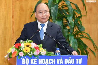 Thủ tướng đặt 5 bài toán lớn cho 'tổng tham mưu' về kinh tế - xã hội