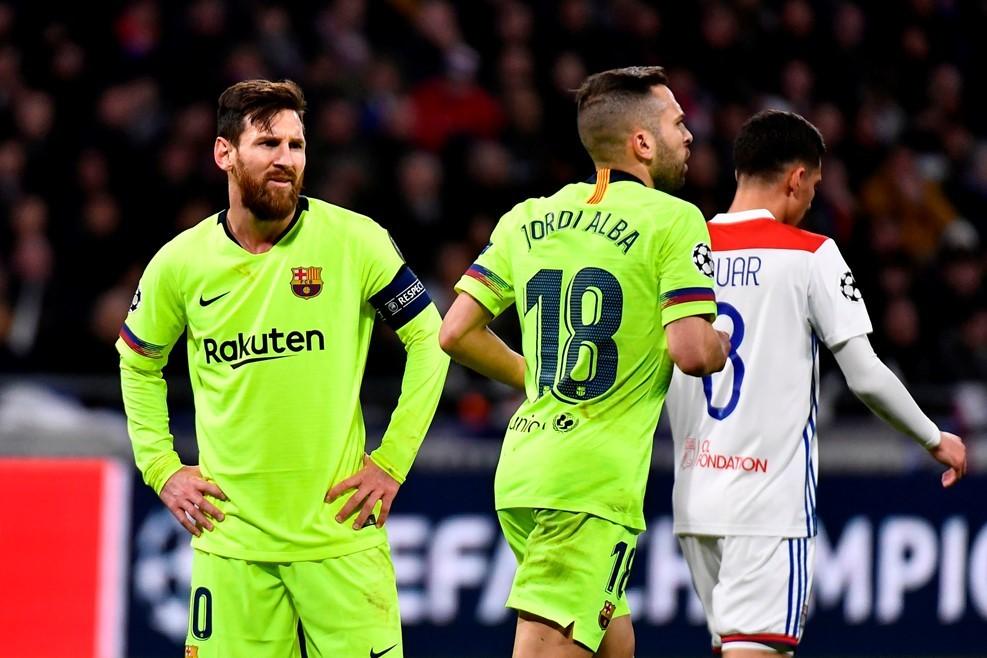 Messi quá vô duyên, Barca bị Lyon cầm chân