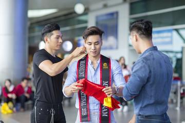 Giấc mộng hào quang và cạm bẫy tình dục đồng tính ở showbiz Việt