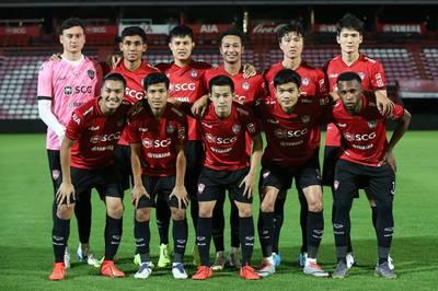 Đặng Văn Lâm mắc sai lầm trong trận ra mắt Muangthong