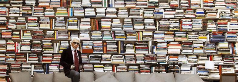 Trong nhà ông có lẽ nhiều nhất là sách.