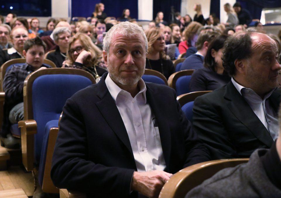 Abramovich sẽ tống cổ HLV Sarri đầu tuần tới
