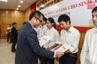 Sinh viên Bách khoa nhận học bổng 30 triệu đồng/suất