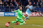 Chơi thiếu người, Man City ngược dòng khó tin trước Schalke