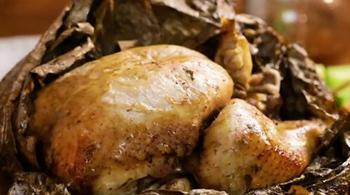 Cách làm gà bọc lá sen nướng đất sét ngon chuẩn vị