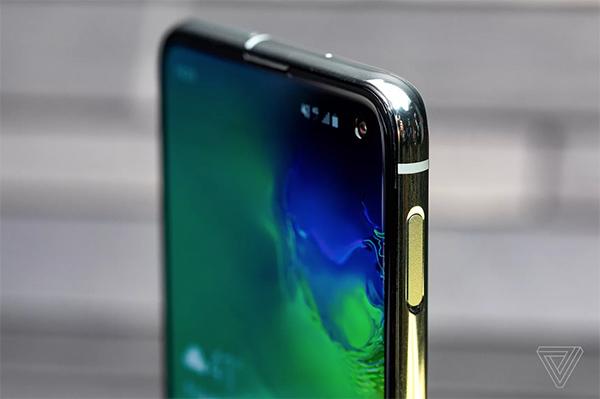 Trên tay Galaxy S10 vừa ra mắt: Đối thủ xứng tầm với iPhone Xs
