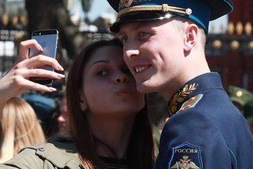 Nga cấm binh lính dùng điện thoại thông minh