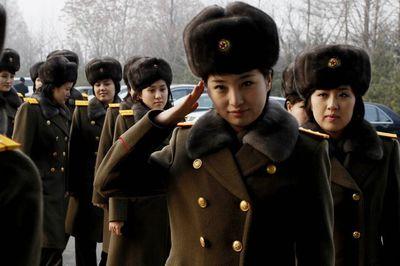 """Nhan sắc bóng hồng đứng đầu nhóm nhạc Triều Tiên """"gây sốt"""" cả thế giới"""