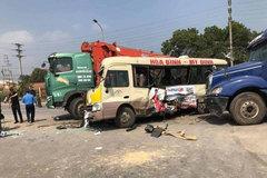 3 ô tô kẹp xe máy trên đại lộ Thăng Long, 2 vợ chồng thiệt mạng