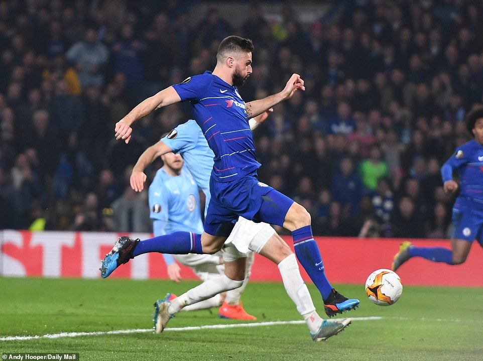 Giroud lập công, Chelsea đi tiếp ở Europa League