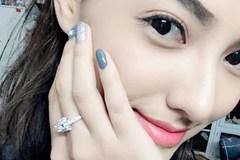 Cuối cùng nhẫn kim cương 500 triệu đã yên vị trên tay Hồng Quế