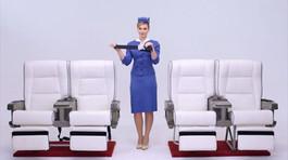 Đồng phục tiếp viên hàng không thay đổi như thế nào trong 100 năm qua?