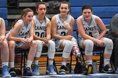 Kinh ngạc nỗ lực của cô gái cụt chân trở thành ngôi sao bóng rổ