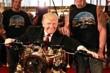 Dát vàng, gắn tên lên động cơ, ông Trump chịu chơi hết cỡ