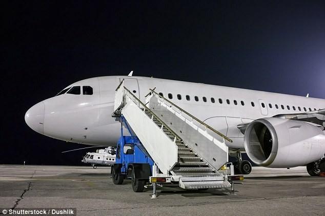 Bí mật giấu kín bên trong máy bay không phải ai cũng biết
