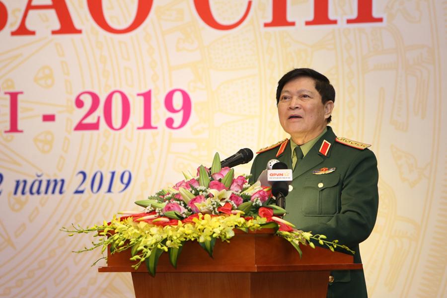 Bộ trưởng Ngô Xuân Lịch,Bộ trưởng Nguyễn Mạnh Hùng,Bộ Quốc phòng,Bộ Thông tin và Truyền thông