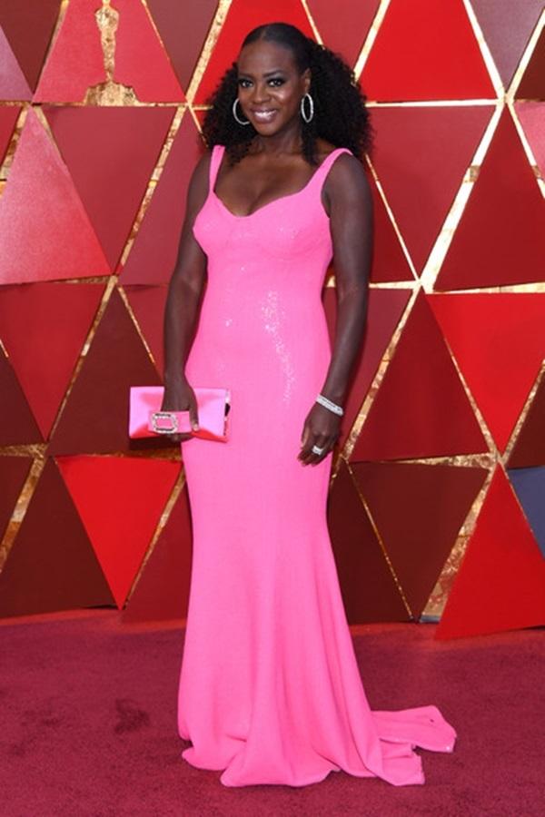 Những bộ cánh ấn tượng nhất trên thảm đỏ Oscar