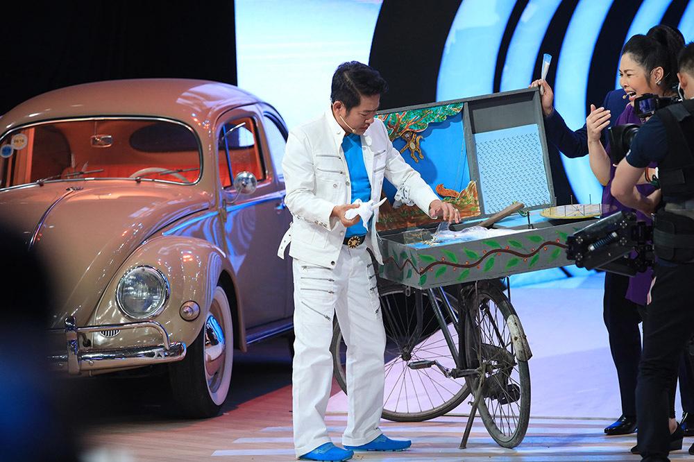 Tấn Beo tiết lộ ký ức nghèo bán kẹo kéo 20 năm trước