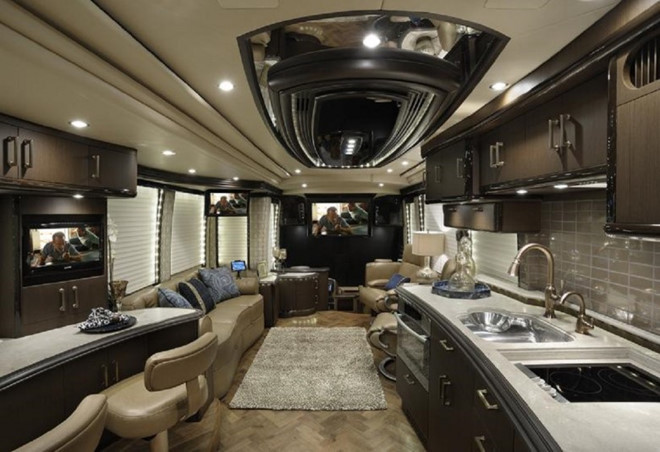 Ô tô như khách sạn 5 sao, giới siêu giàu muốn là có
