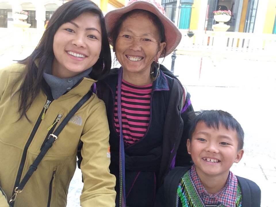 Cô bé H'Mông nói tiếng Anh như gió lấy chồng là doanh nhân Bỉ