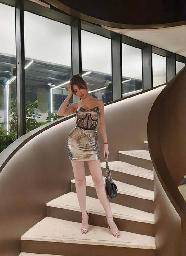 Phong cách thời trang gợi cảm của tình cũ Ngô Kiến Huy