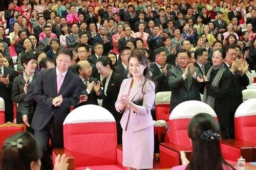 Phu nhân ông Kim Jong Un: Biểu tượng thời trang của phụ nữ Triều Tiên