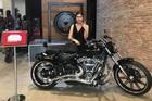 Nữ đại gia đất Cảng tặng chồng Harley-Davidson gần 1 tỷ