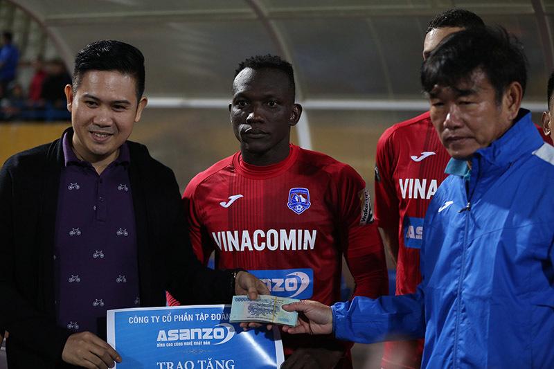 Hà Nội thắng to, HLV Chu Đình Nghiêm vẫn chưa hài lòng