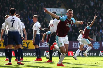 Harry Kane tái xuất, Tottenham vẫn thua sốc Burnley
