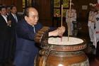 Thủ tướng dâng hương tưởng niệm Chủ tịch Hồ Chí Minh tại Nghệ An
