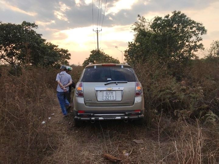 Va chạm ô tô, 3 người trong gia đình tử vong