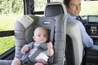 Dùng ghế ngồi ô tô cho trẻ chớ mắc sai lầm kẻo cha mẹ hối hận cả đời