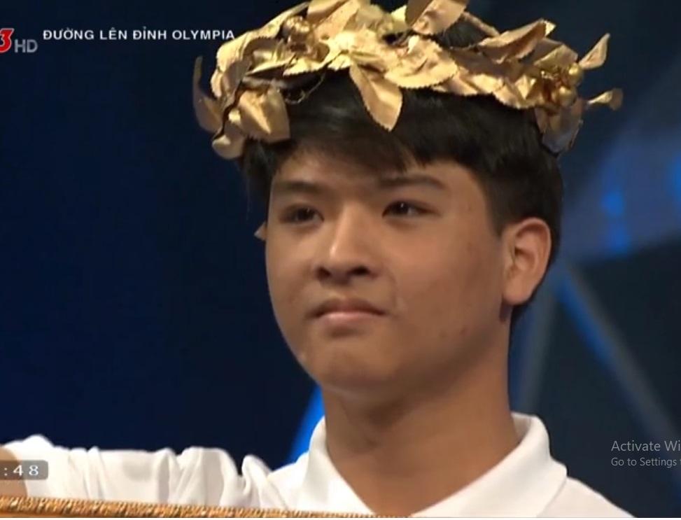 Hotboy xứ Nghệ giành điểm tối đa phần khởi động, ẵm vòng nguyệt quế Olympia
