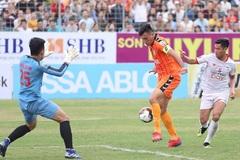 Quế Ngọc Hải nhận thẻ đỏ, Viettel thua trận ra quân ở V-League