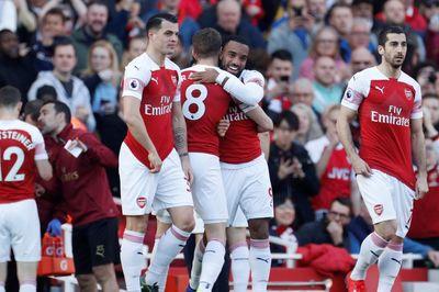 Đè bẹp Southampton, Arsenal vượt MU leo lên thứ 4