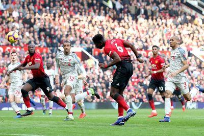 """MU chia điểm Liverpool sau trận cầu """"kỳ lạ"""""""